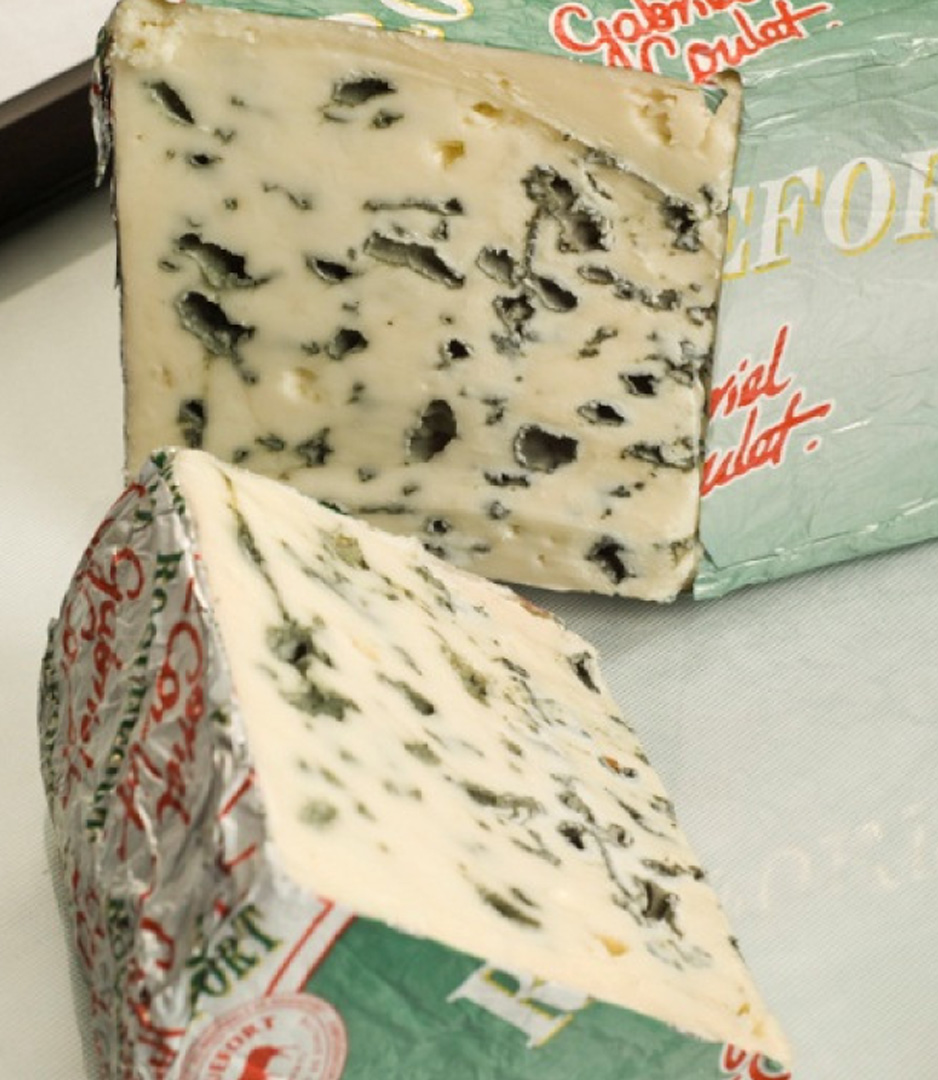 roquefort aop french blue raw milk cheese 100g the red cow